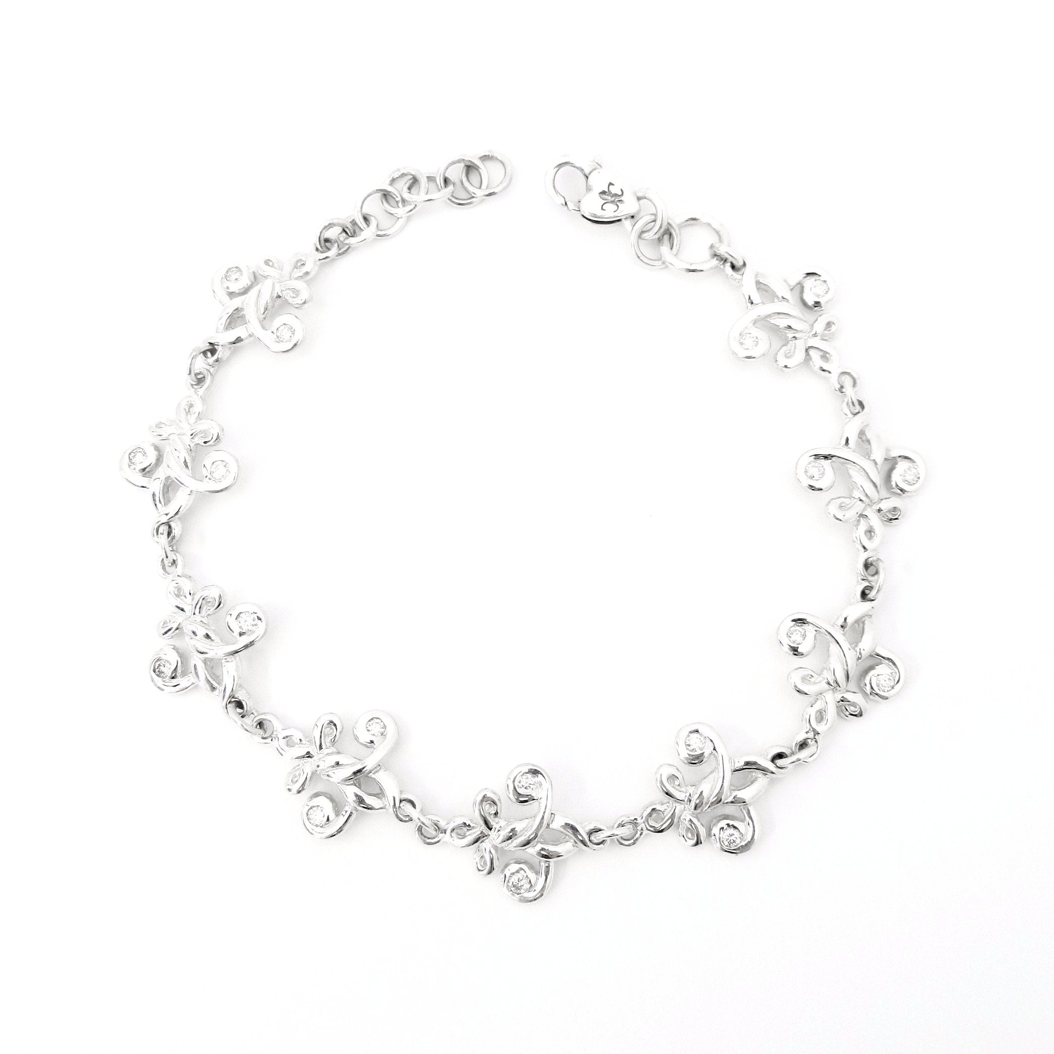 Fleur de Knot Bracelet with Diamonds