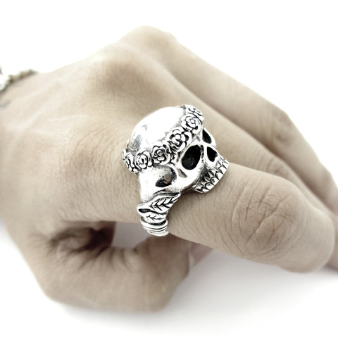 Smell The Roses Skulls Band Ring