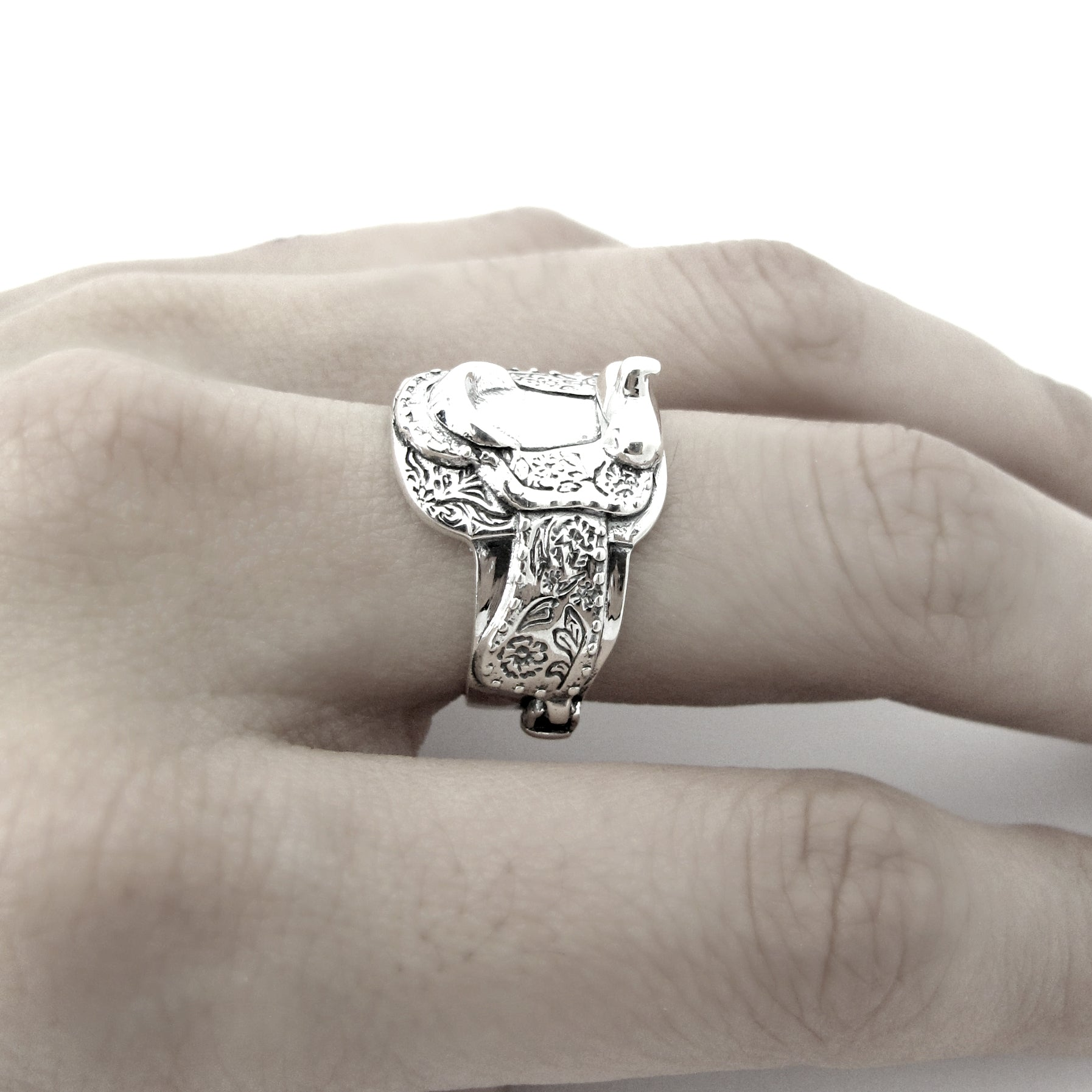 Western Saddle Ring