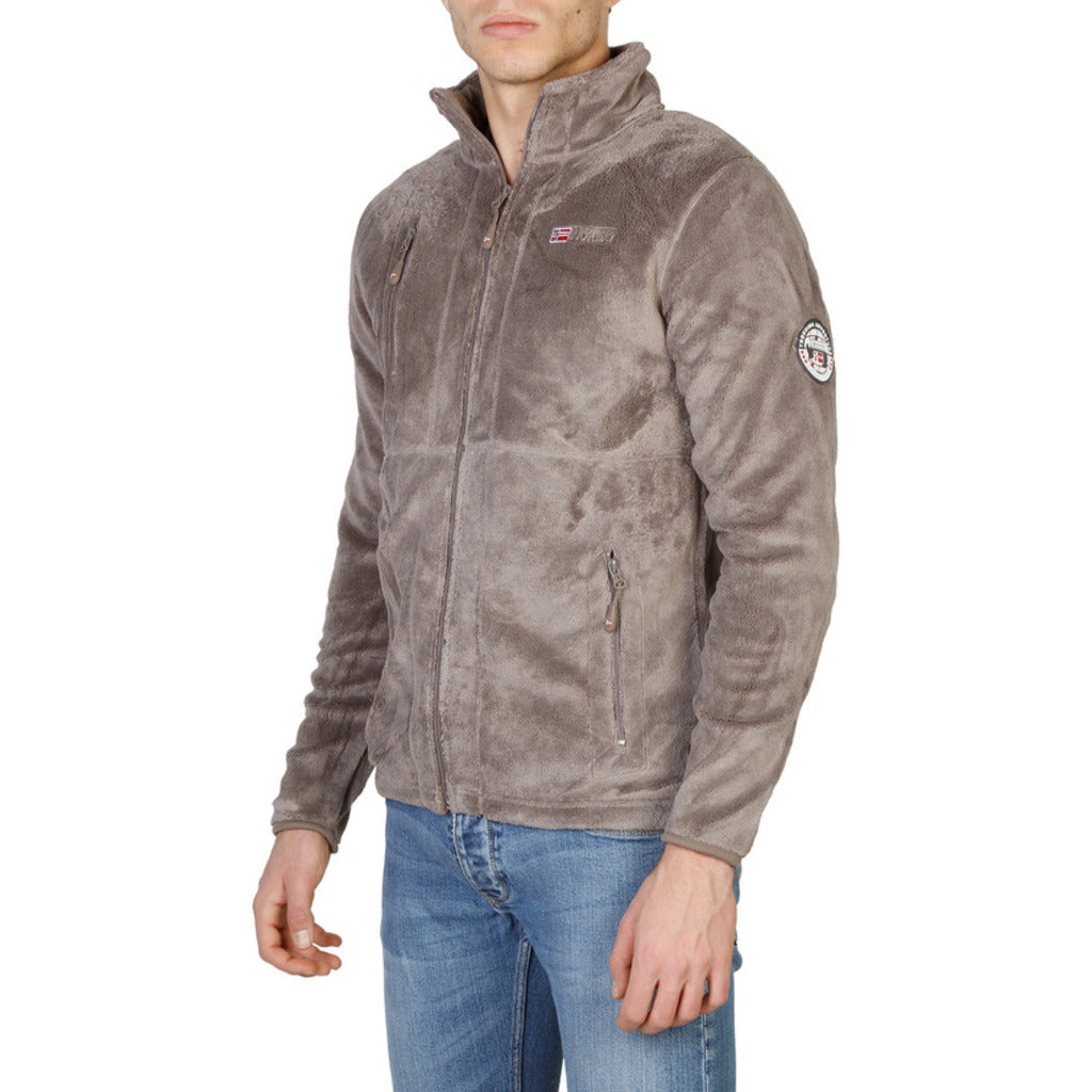 Geographical Norway - Upload_man - MGJ-24.net