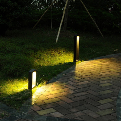 Modern Black Frame Garden Light
