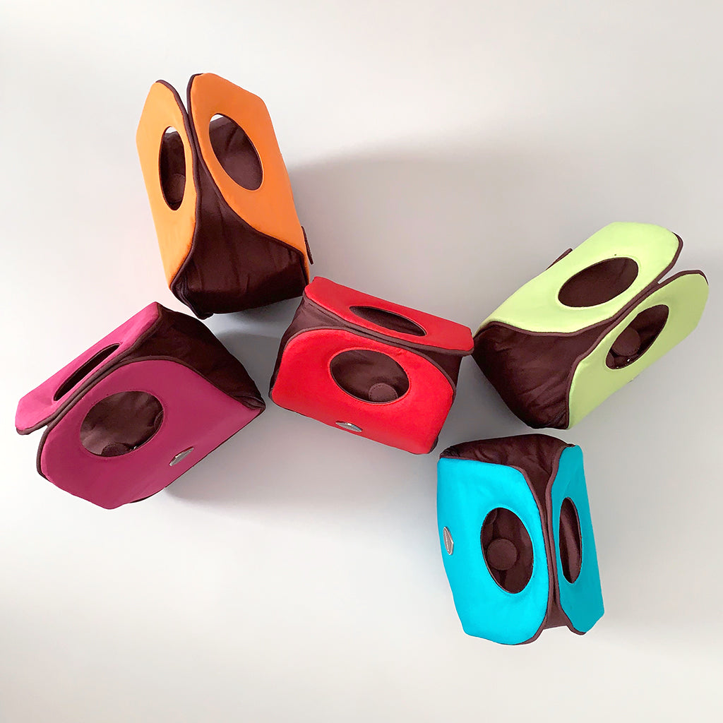 Collection of five Milkdot lunch bags in different colors.