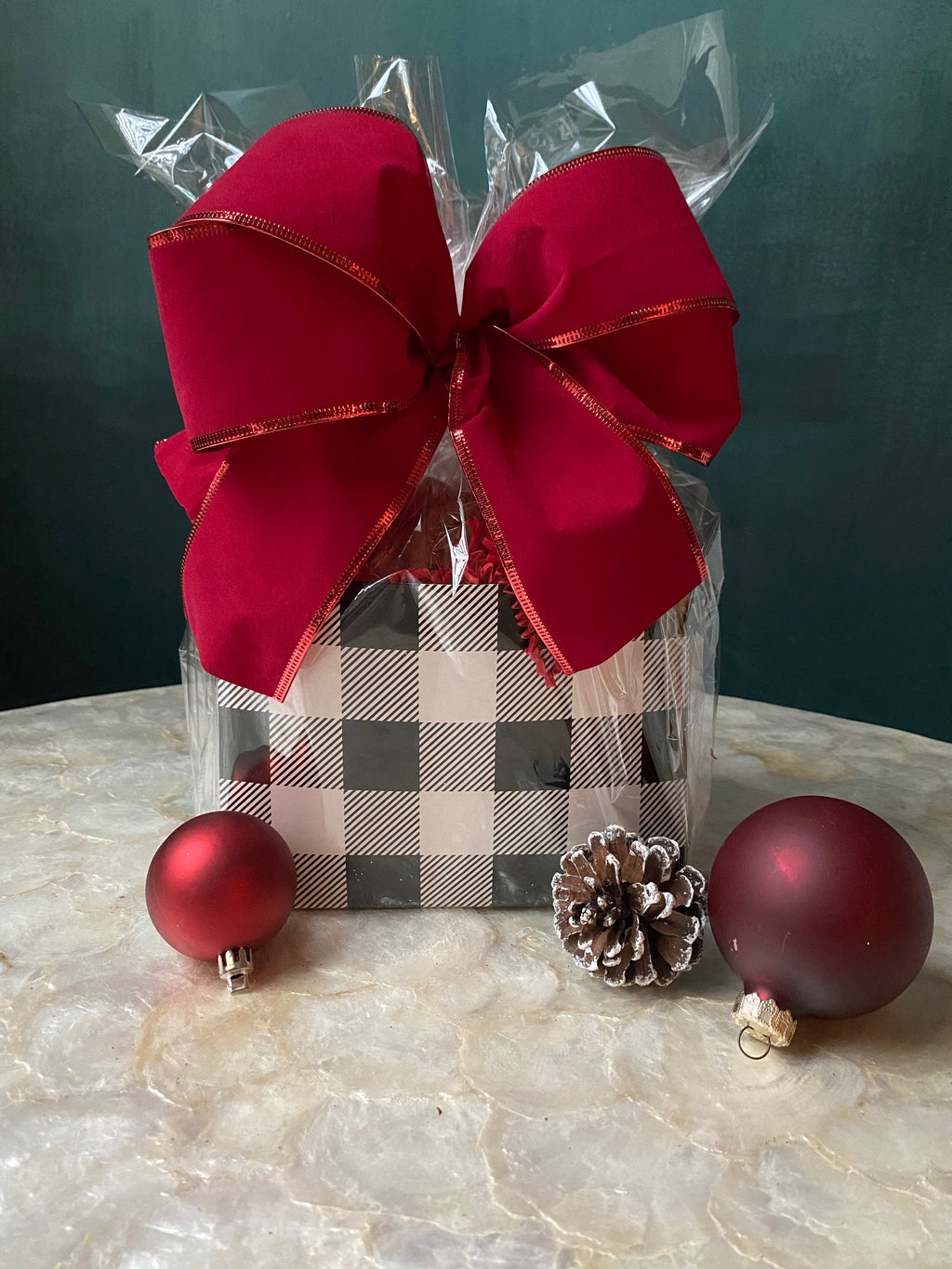 BUFFALO PLAID COOKIE BOX
