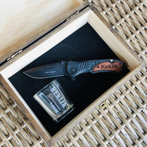 groomsmen proposal gift with shot glass and knife