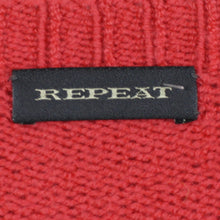 Laden Sie das Bild in den Galerie-Viewer, REPEAT Strickpullover Gr. 38 rot