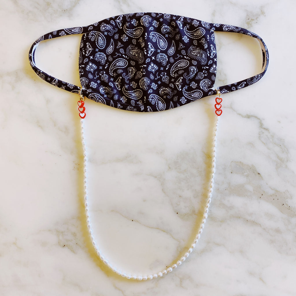 3 in 1: Face Mask & Sunglass Necklace - HEART PEARL
