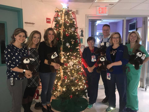 Mended Heart Bears being distributed at Advocate Children's Hospital (Dec 2017)