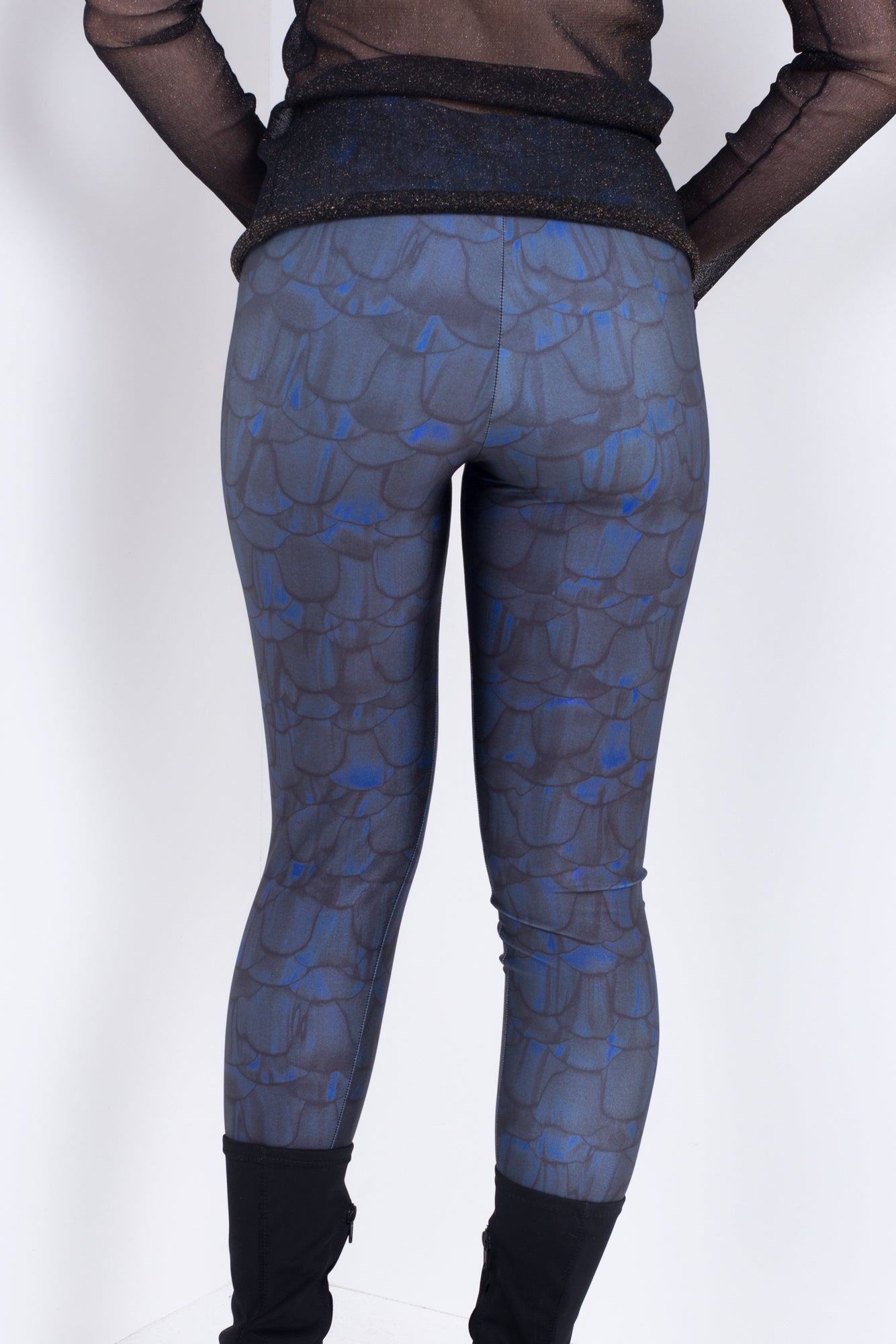 Scaly Leggings