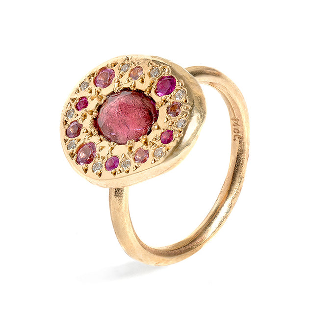 Shades of pink sapphire pebble ring