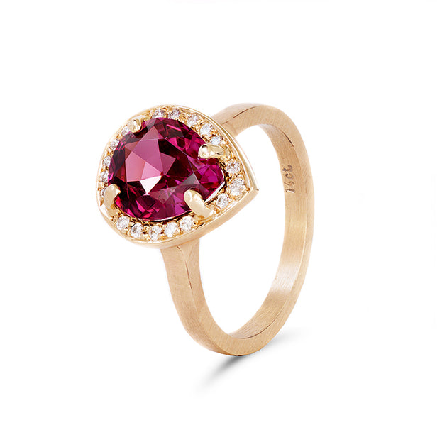 Red d'Anjou rhodolite ring