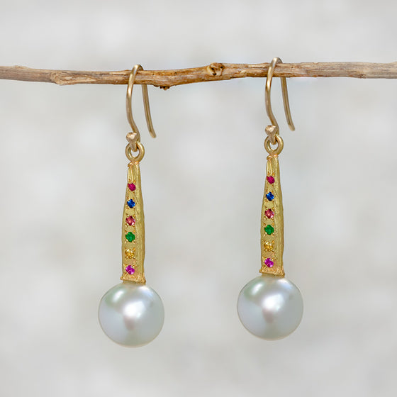Carnivale Hatted Pearl Earrings