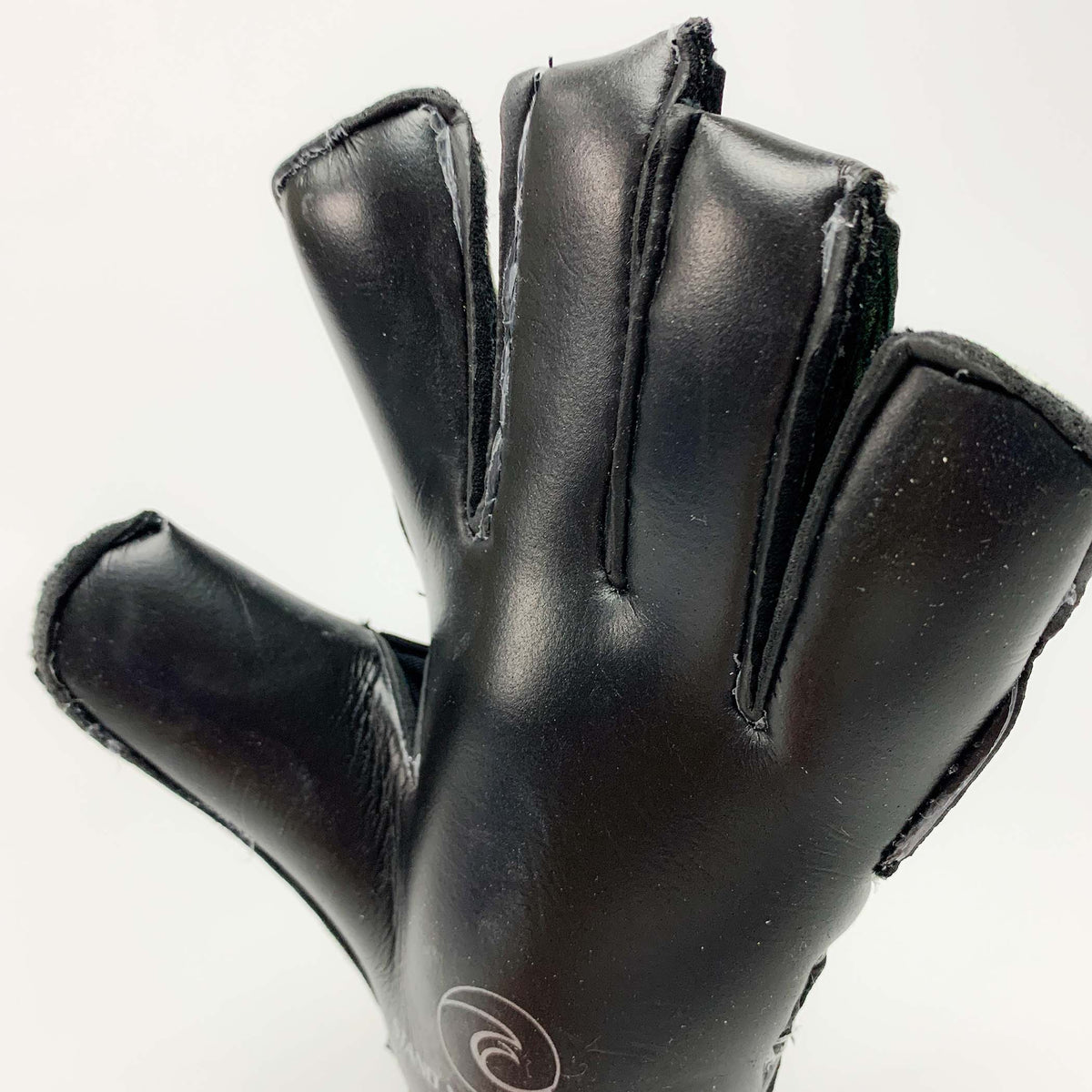 LAGUNA Blake Pro - Fingersave Goalkeeper Gloves West Coast Goalkeeping