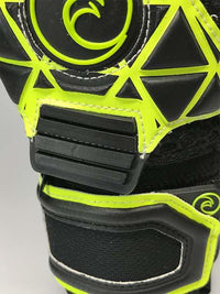 QUANTUM Melia Pro Electric Edition - Fingersave Goalkeeper Gloves West Coast Goalkeeping