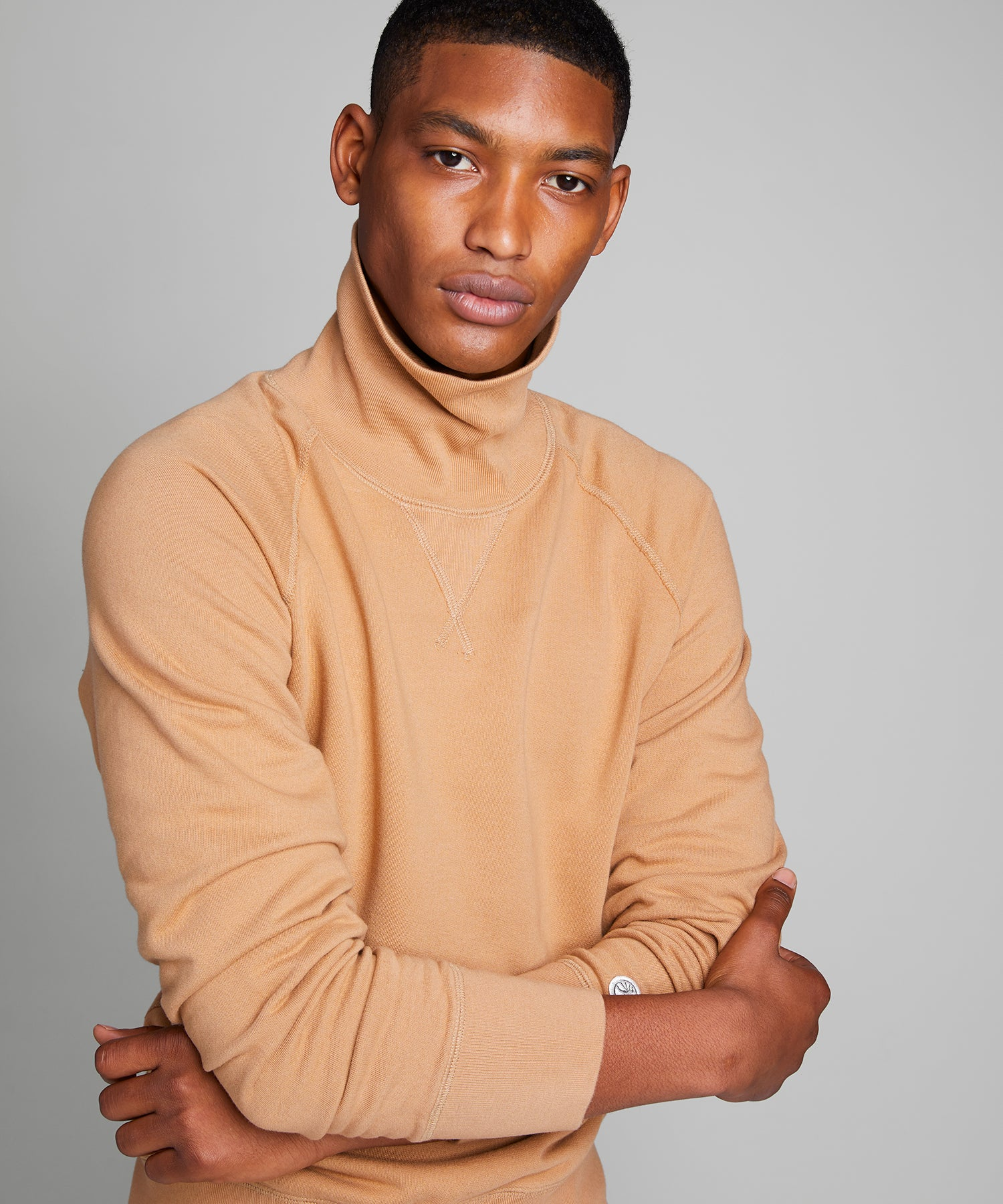 Lightweight Turtleneck Sweatshirt in Barley