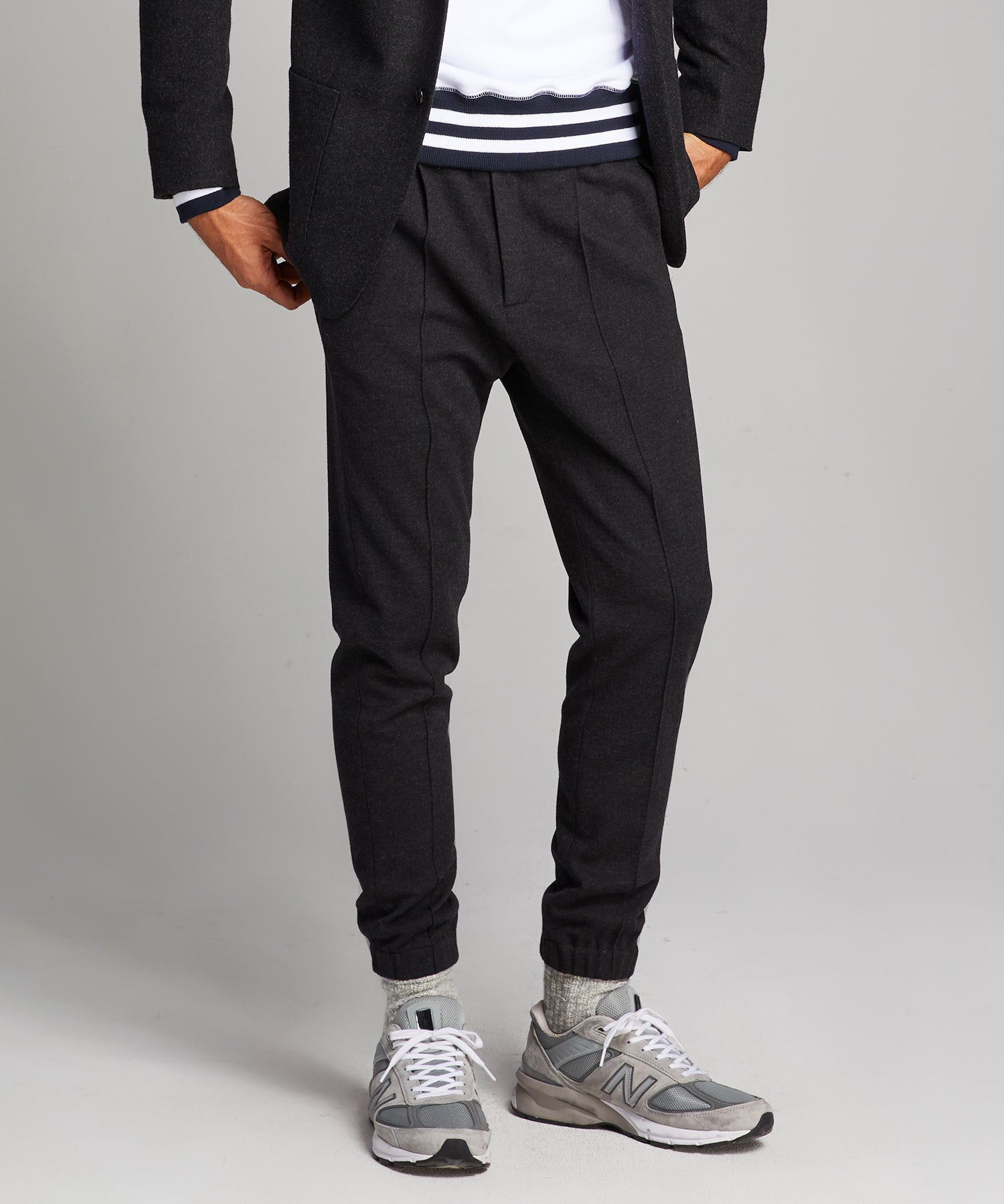 Knit Traveler Suit Pant in Charcoal