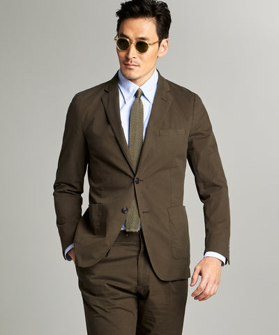 Garment Dyed Traveler Suit Jacket in Olive