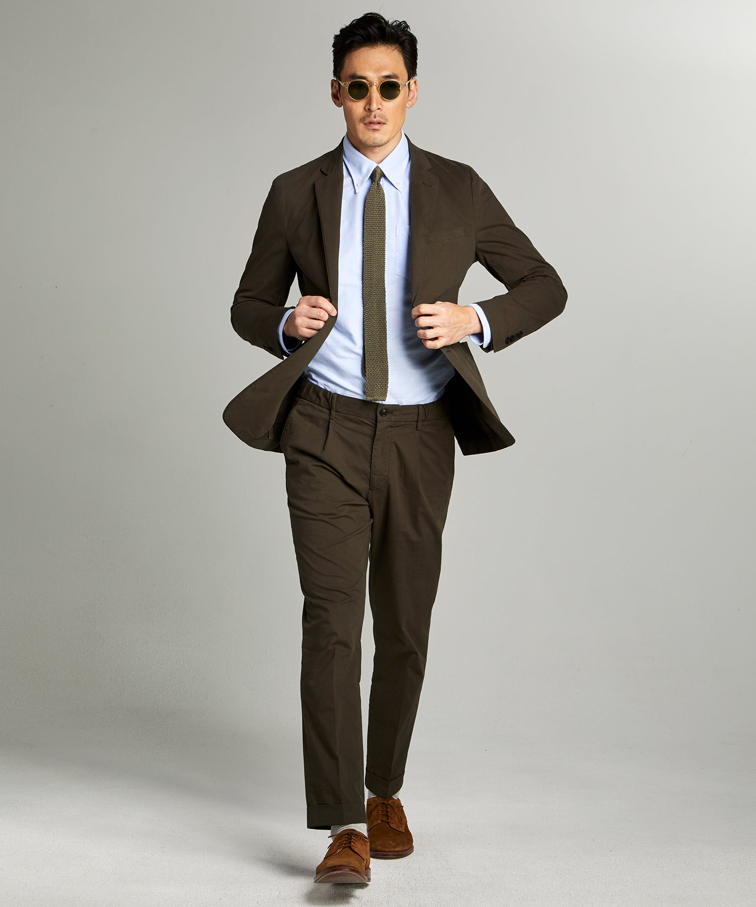 Garment Dyed Traveler Suit in Olive
