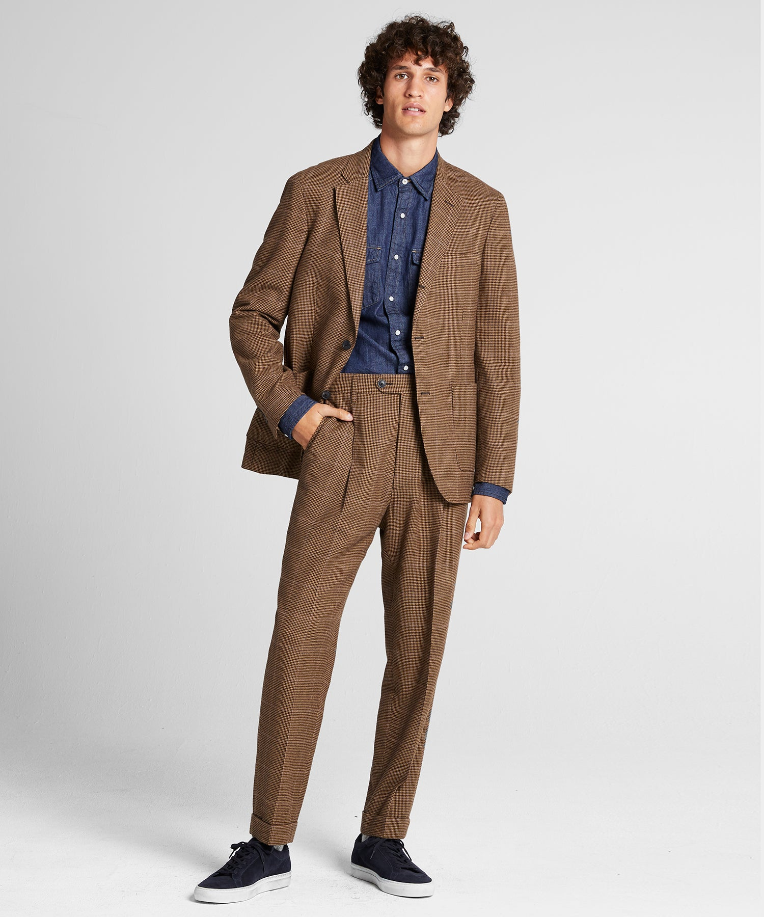 Wool Houndstooth Madison Traveler Suit in Brown