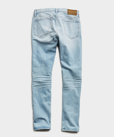 Straight Fit Stretch Indigo Jean in Pebble Beach Wash
