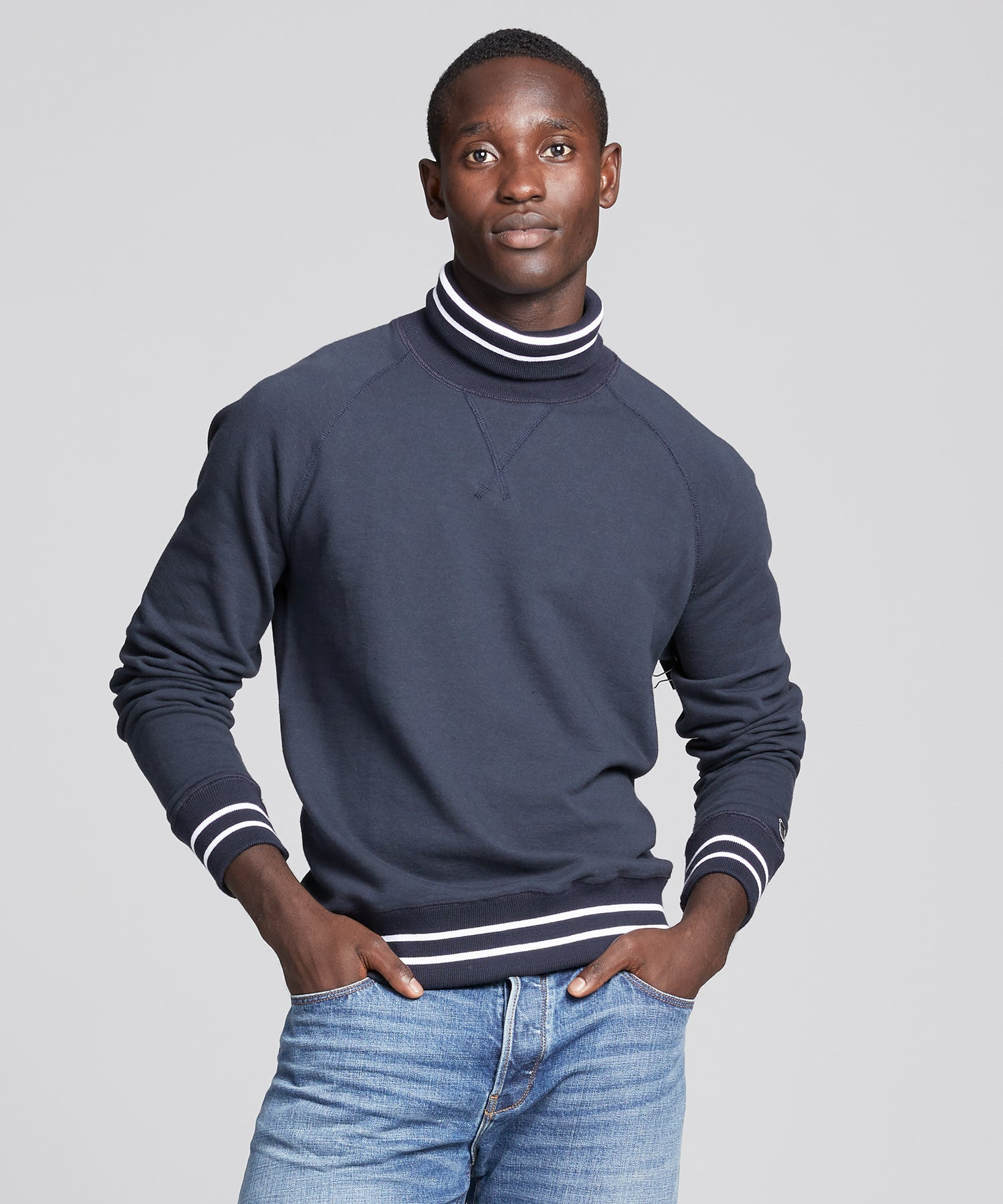 Tipped Turtleneck Sweatshirt in Navy