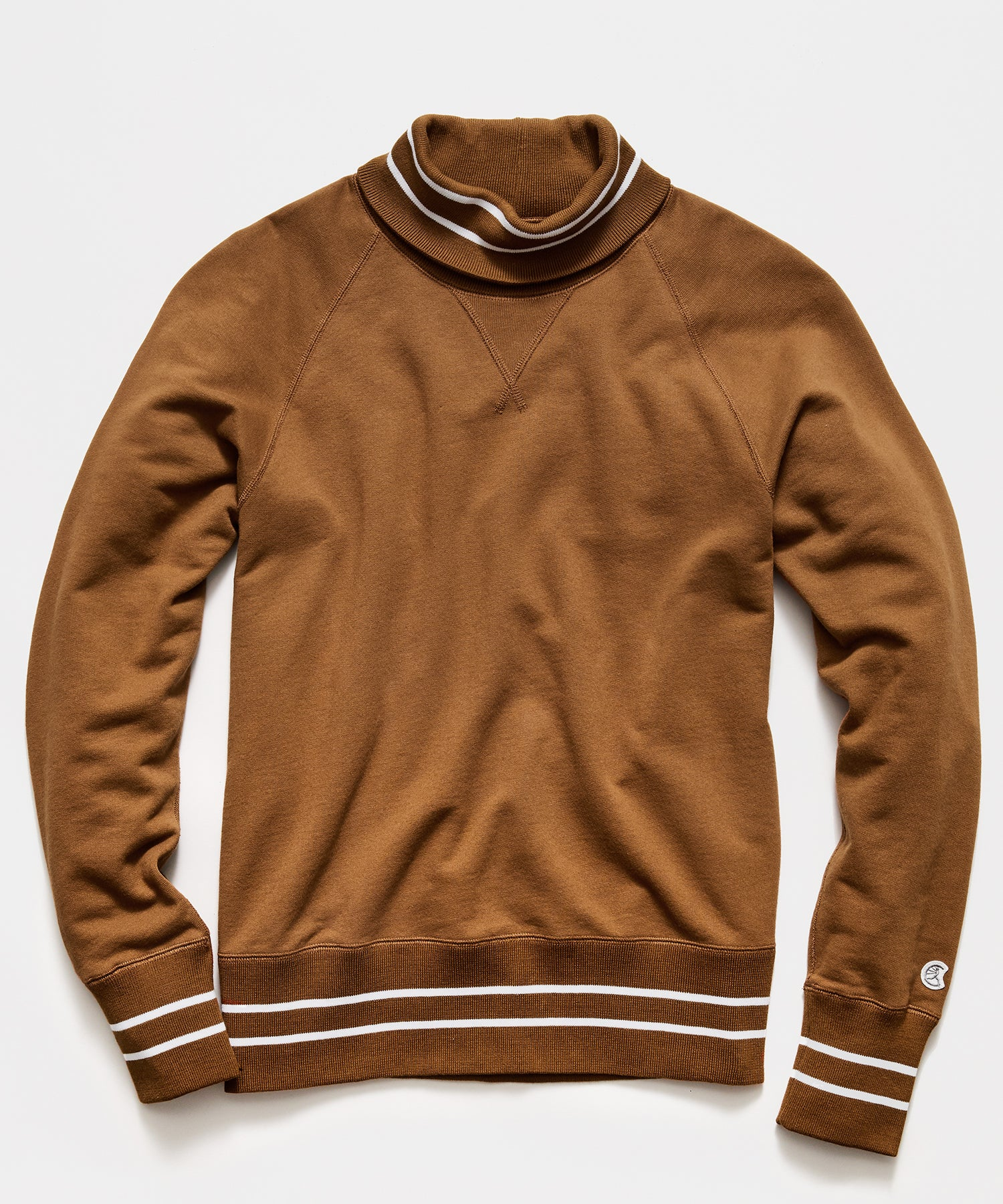 Tipped Turtleneck Sweatshirt in Pecan