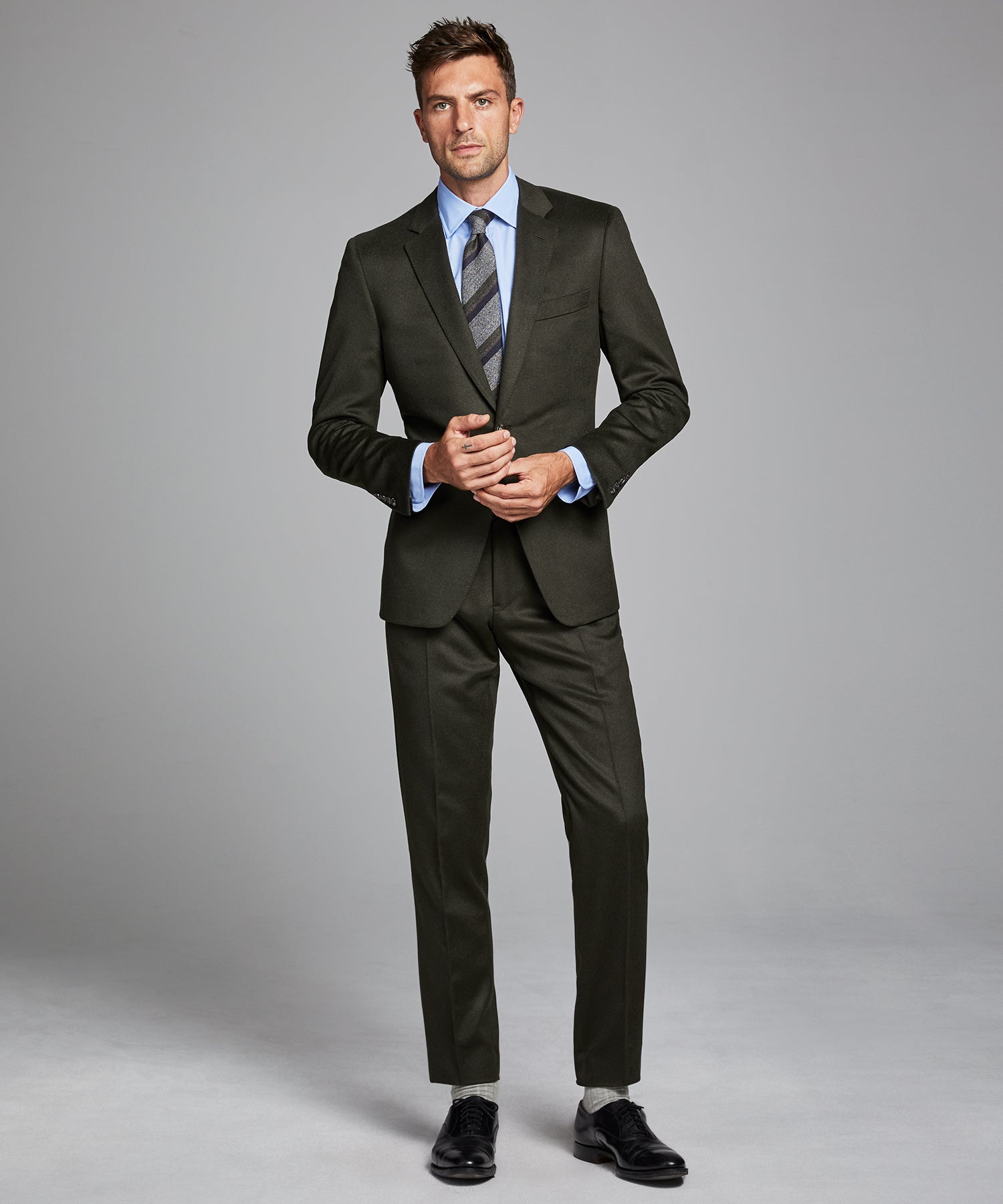 Italian Cashmere Sutton Suit in Olive