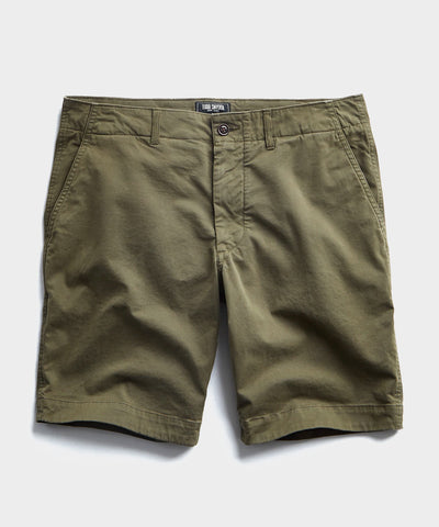 "9"" Stretch Chino Surplus Short in Olive"