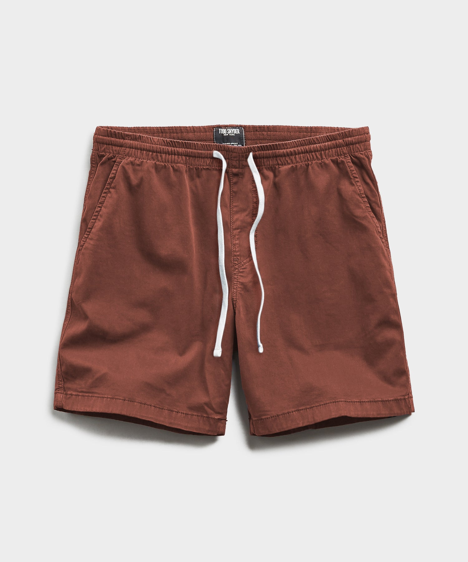 "7"" Weekend Stretch Short in Rust"