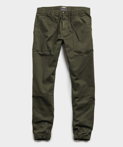Camp Stretch Drawstring Jogger in Olive
