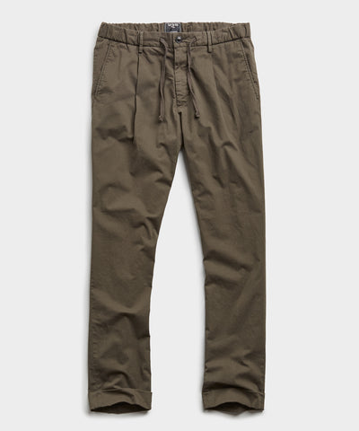 Garment Dyed Traveler Suit Trouser in Olive