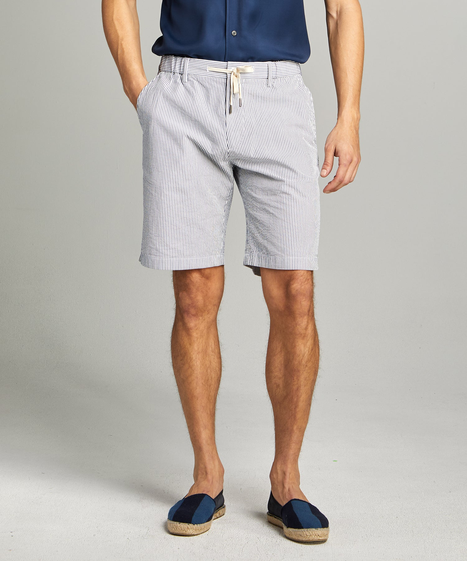 Seersucker Traveler Short in Blue