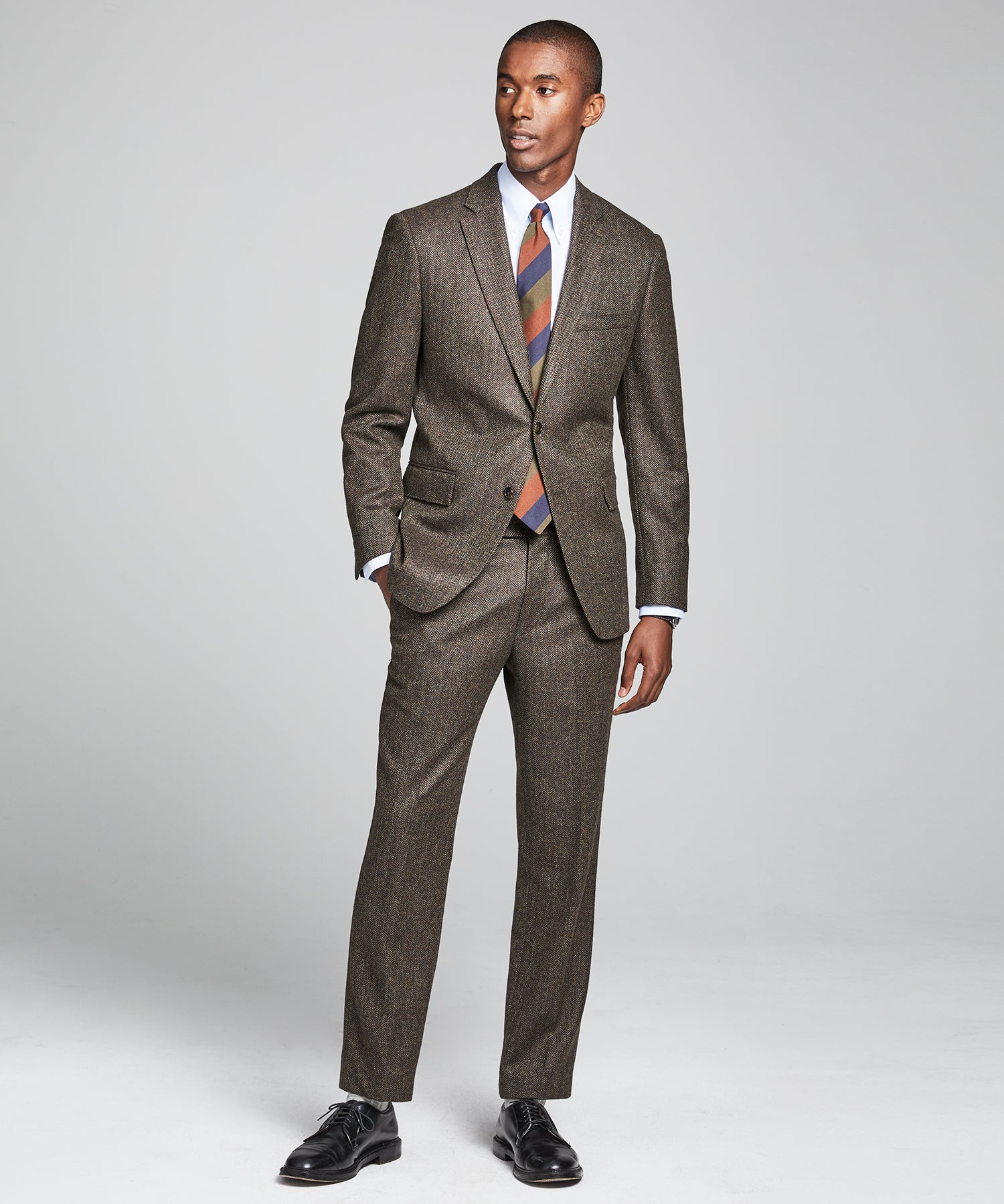 Wool Cashmere Herringbone Sutton Suit in Olive