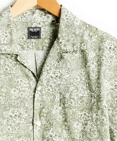 Liberty Camp Collar Crosshatch Print in Green