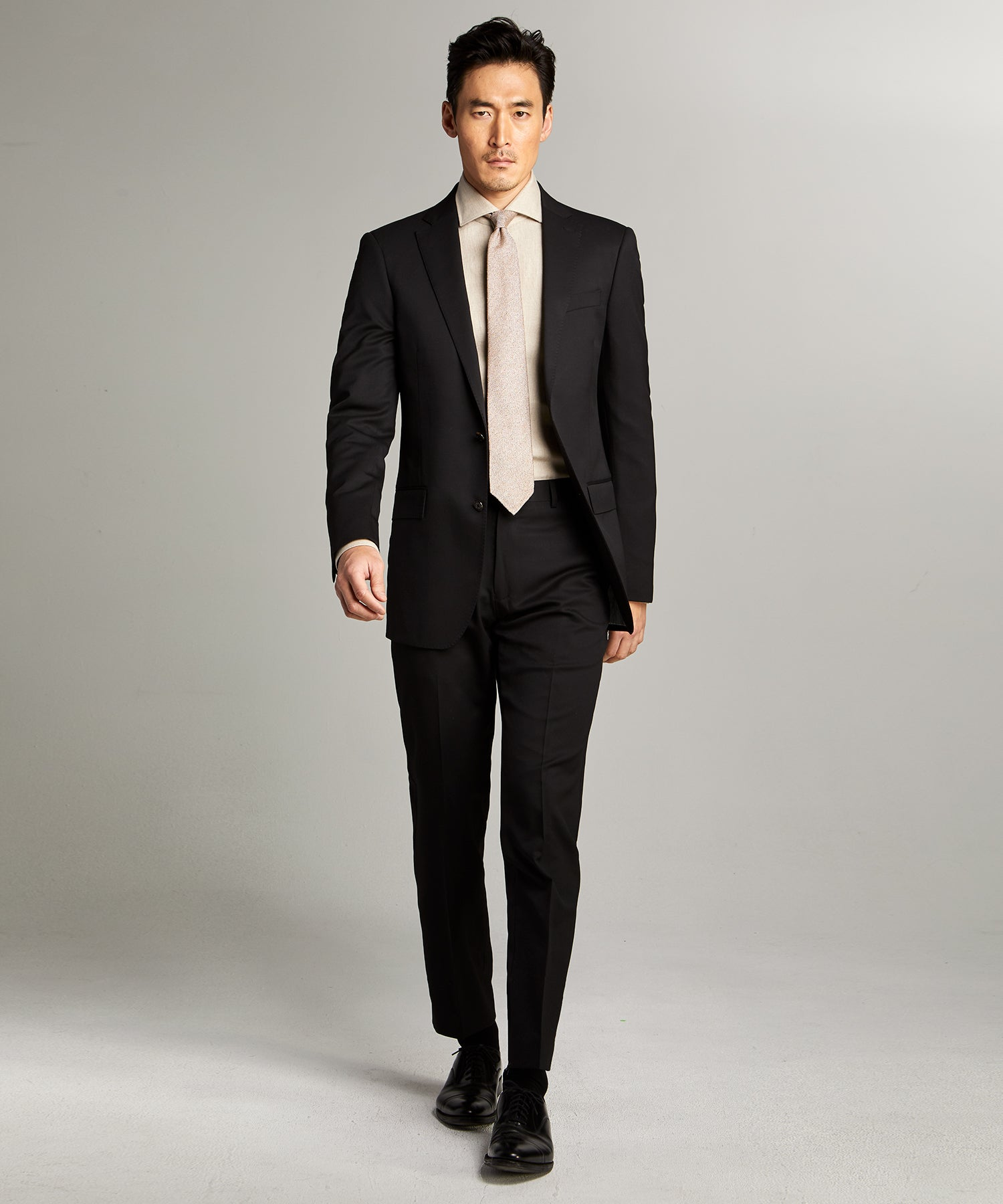 Sutton Stretch Tropical Wool Suit in Black