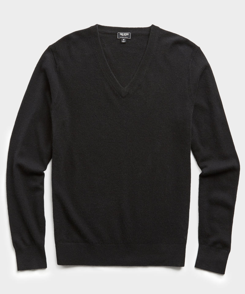Cashmere V-neck Sweater in Black