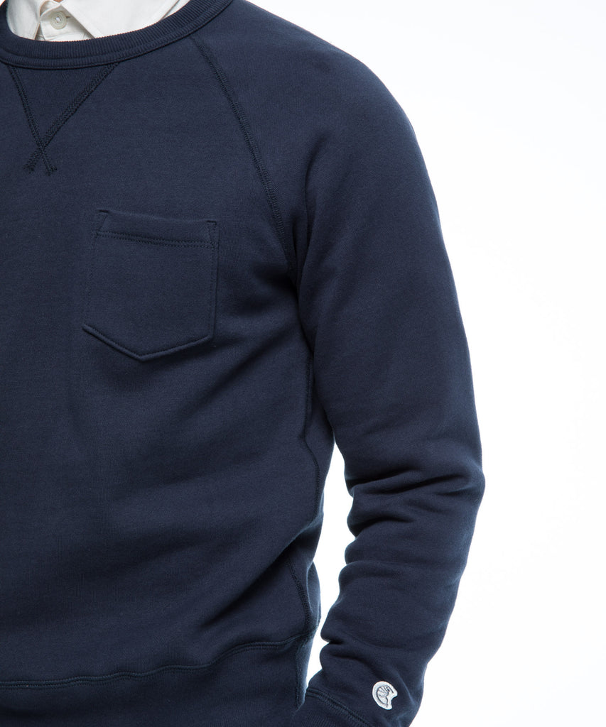 Fleece Pocket Sweatshirt in True Navy