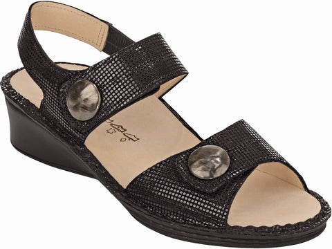 Finn Comfort Alanya in Black
