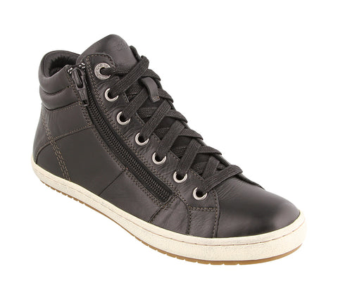 Taos Union in Black Leather - Right 3/4 View