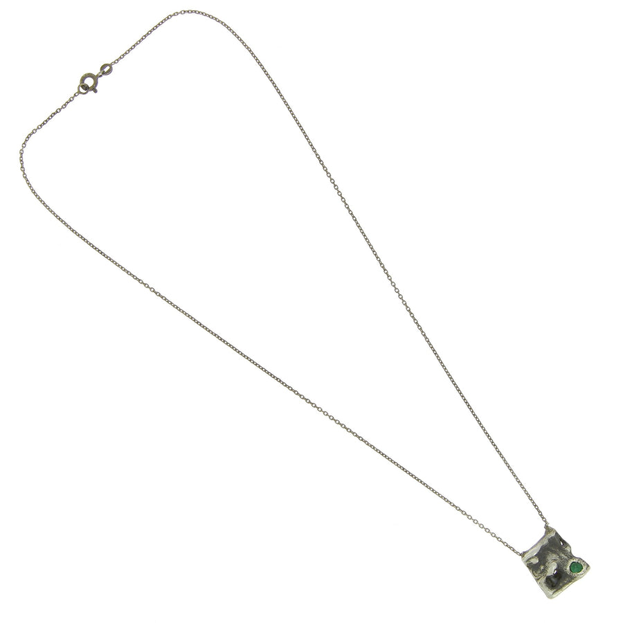 Melt plate necklace 1 emerald
