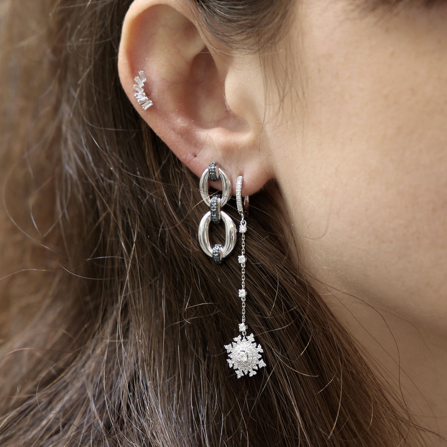 Single White Gold with Diamonds Earrings