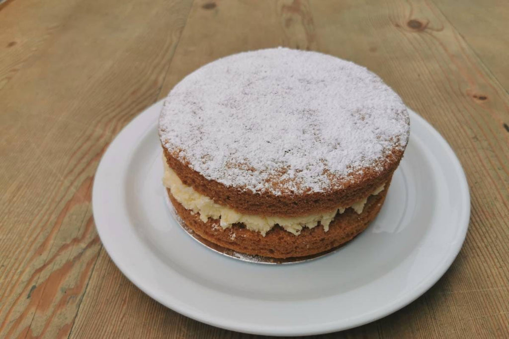 Homemade Carrot Cake Round - Applegarth Online Farmshop