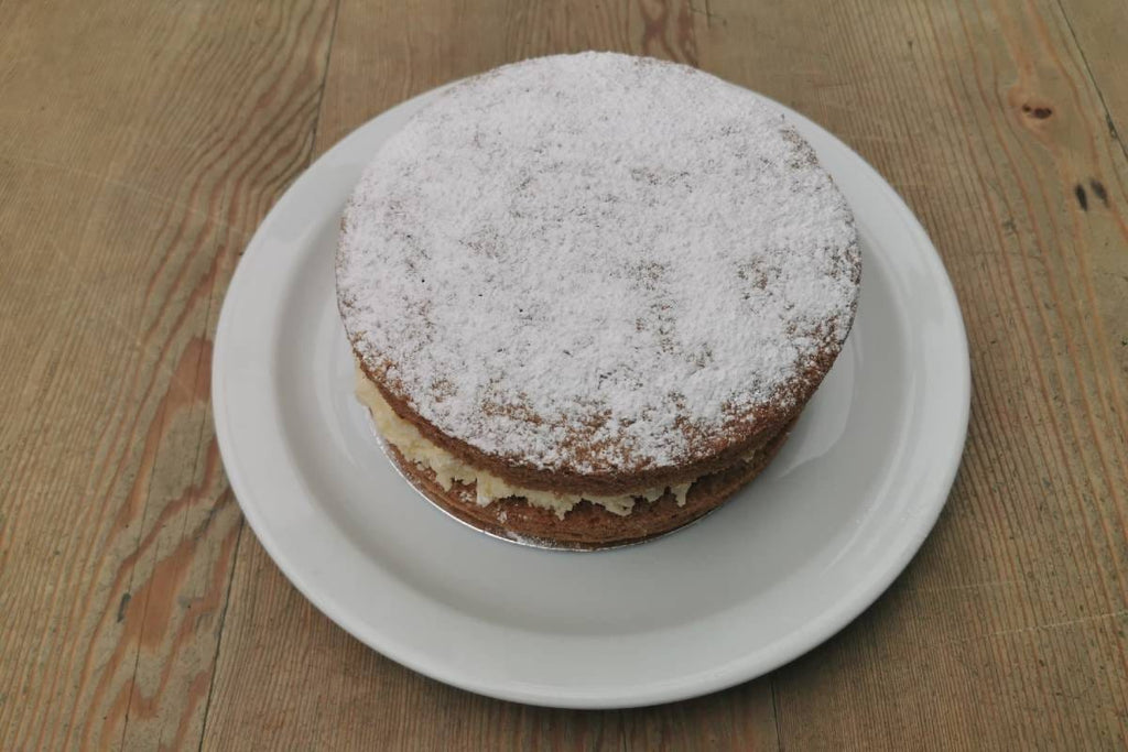 Lemon Drizzle Cake Round - Applegarth Online Farmshop