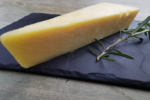 Mull of Kintyre Cheddar 200g - Applegarth Online Farmshop