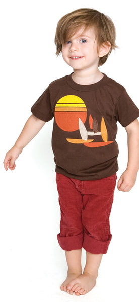 decaf plush sailboat applique t-shirt