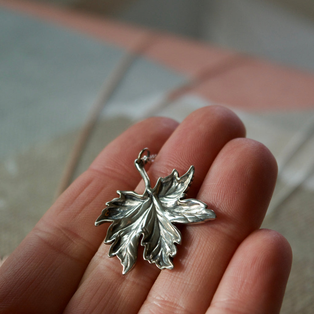 Canadian Maple Leaf Necklace Silver