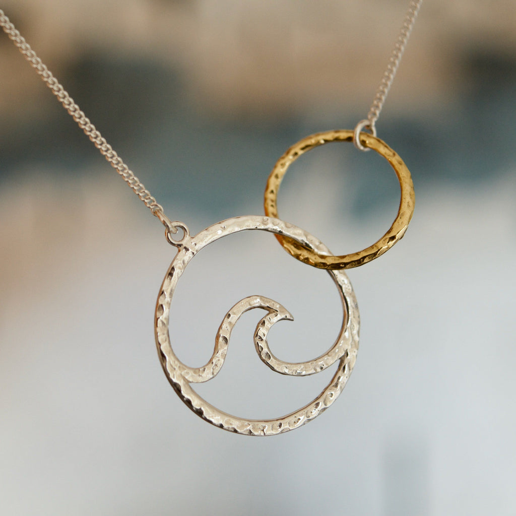 wave circle necklace