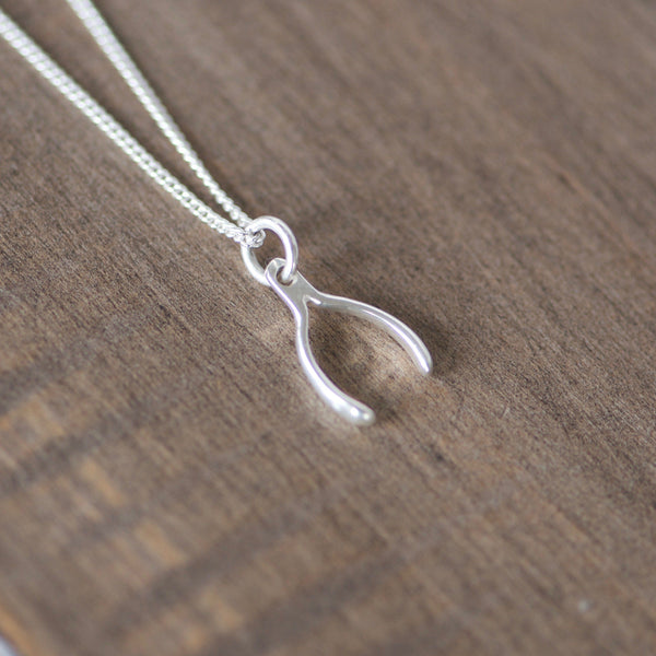 Bar Name Necklace with Wishbone