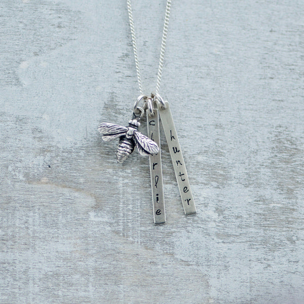 Bar Name Necklace with Bumble Bee