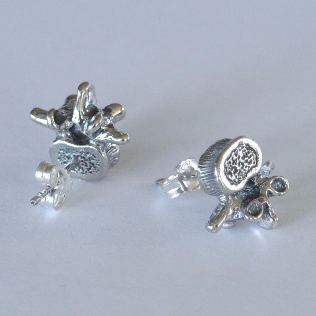 Vertebrae stud earrings