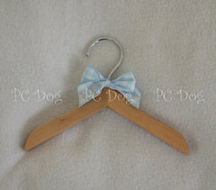 "8"" Wooden Hanger ~ Pink or Blue"